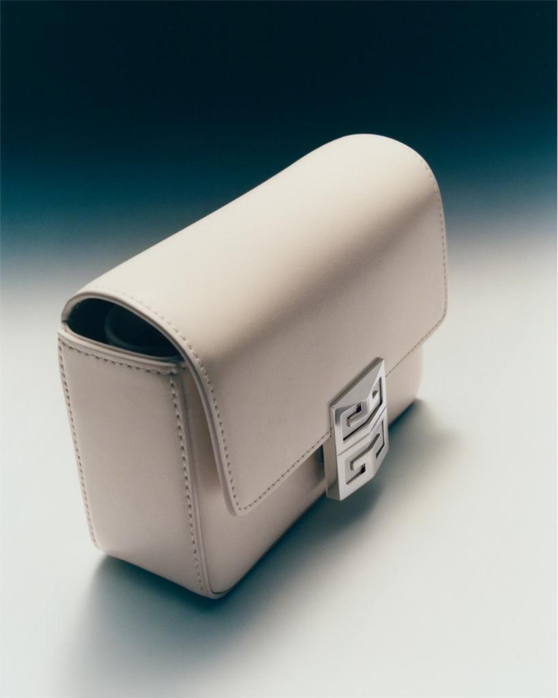 4G, la nueva cartera de Givenchy