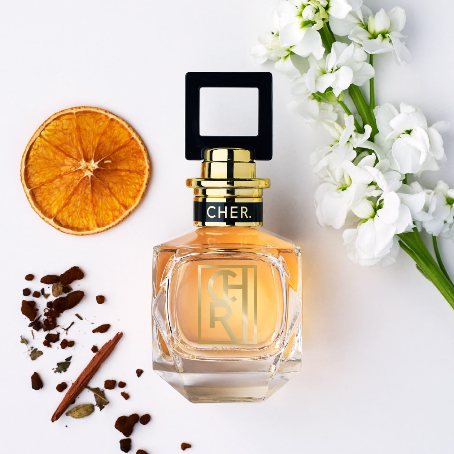 Zarci y Onyx dos nuevos perfumes para mujeres de Maria Cher