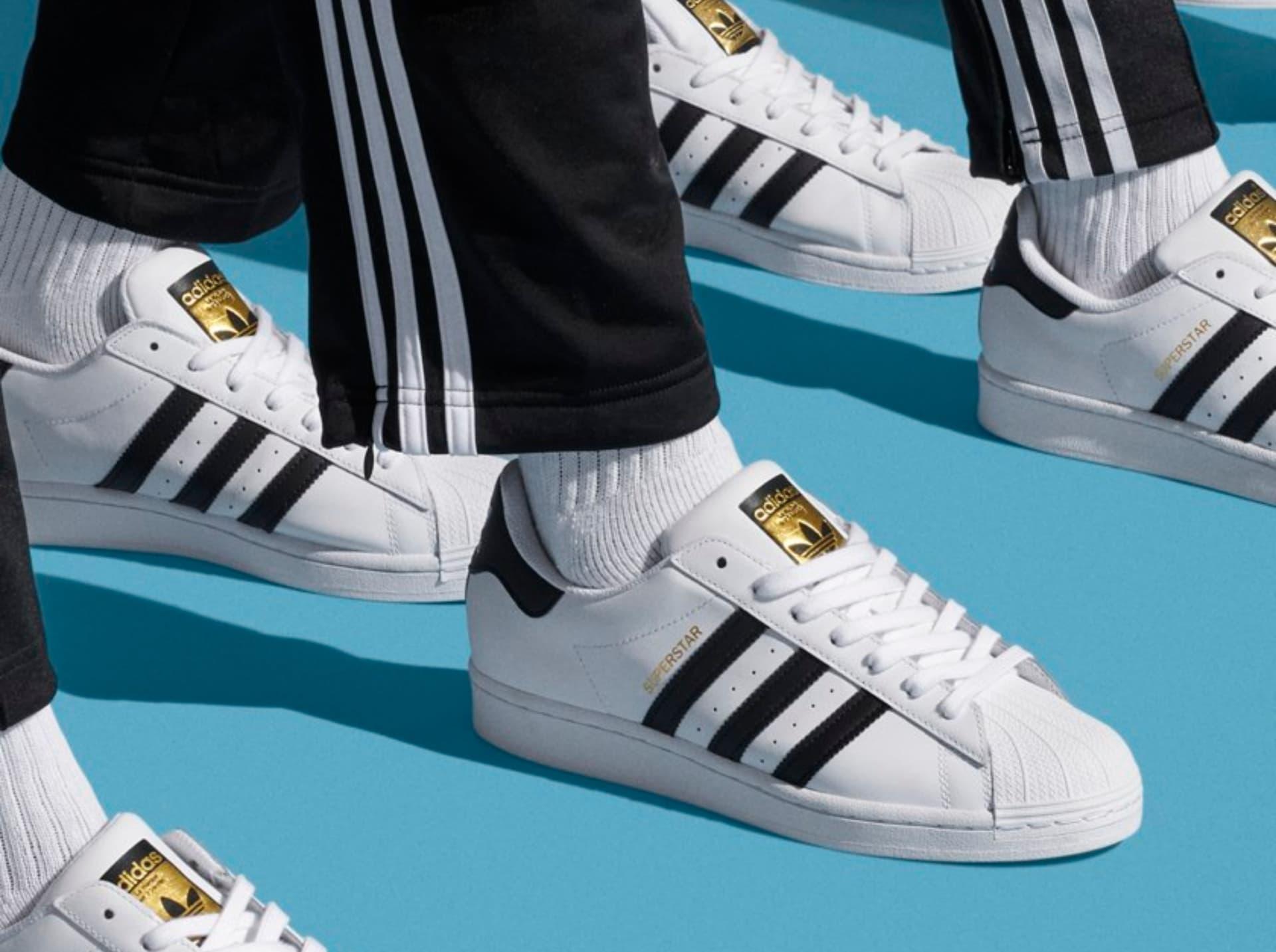 la silueta clásica de Adidas Superstar