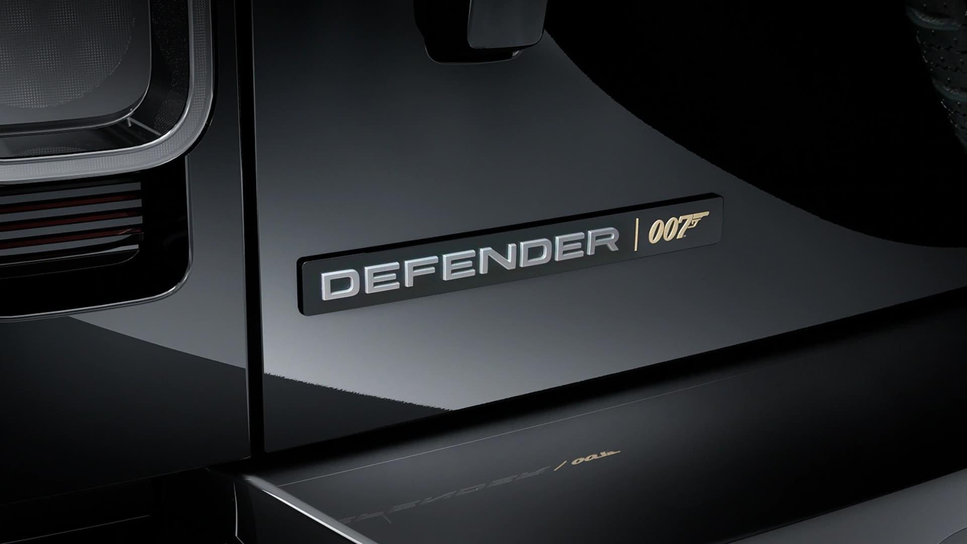 Land Rover presentó la nueva Defender Bond Edition